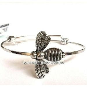 Jewelry - Silver Bumble Bee Wire Charm Bracelet Bangle